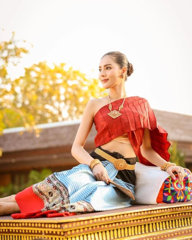 Ngoại hình 'bốc lửa' của người mẫu 27 tuổi đăng quang Hoa hậu Thái Lan 2020 ảnh 8