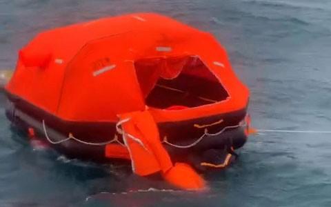 2 người chết, 11 thuyền viên được cứu trong vụ tàu hàng bị chìm ở Bình Thuận ảnh 4