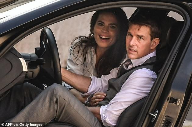 Tom Cruise hẹn hò bạn diễn kém 20 tuổi ảnh 2