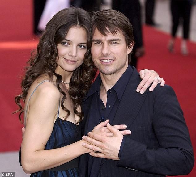 Tom Cruise hẹn hò bạn diễn kém 20 tuổi ảnh 4