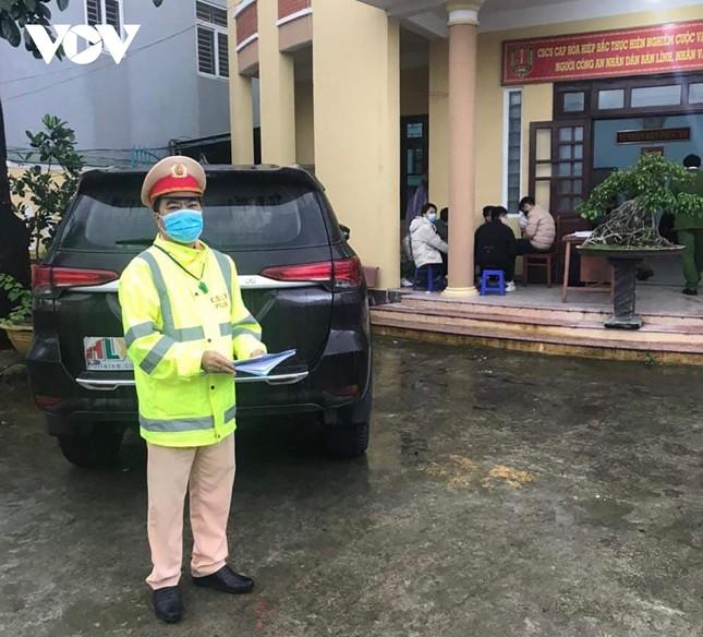 Bản tin 8H: Tài xế chở 6 người Trung Quốc nhập cảnh trái phép chết trong khu cách ly ảnh 1