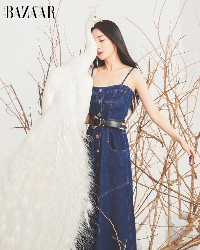 Dương Mịch lên trang bìa sinh nhật 10 năm của Harper's Bazaar Việt Nam ảnh 4