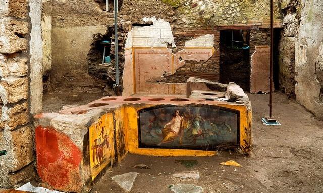 Tìm thấy quầy phục vụ đồ ăn nhanh có niên đại 2.000 năm ảnh 1