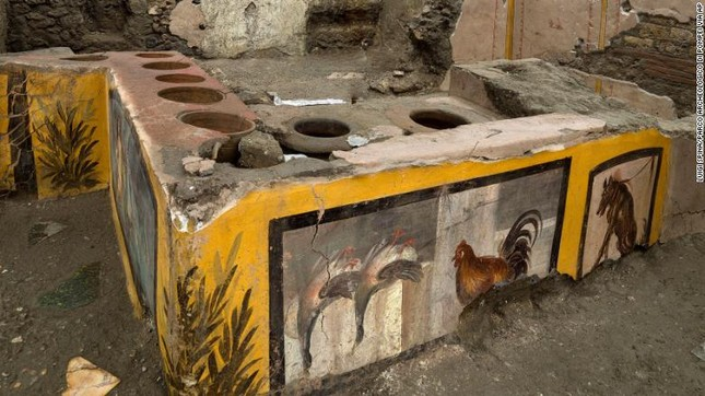 Tìm thấy quầy phục vụ đồ ăn nhanh có niên đại 2.000 năm ảnh 4