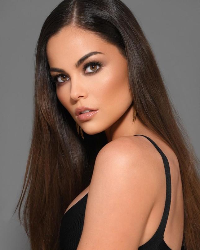 Sắc vóc cực phẩm của người mẫu 27 tuổi đăng quang Hoa hậu Trái đất Mỹ 2021 ảnh 8