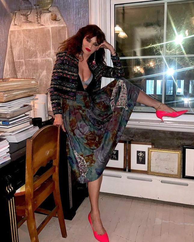 Siêu mẫu Helena Christensen 52 tuổi vẫn sở hữu hình thể 'bốc lửa' đáng ghen tỵ ảnh 4