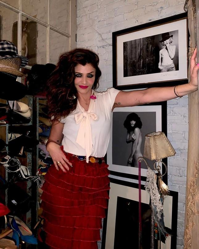 Siêu mẫu Helena Christensen 52 tuổi vẫn sở hữu hình thể 'bốc lửa' đáng ghen tỵ ảnh 8