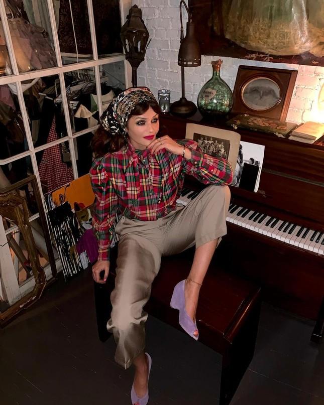 Siêu mẫu Helena Christensen 52 tuổi vẫn sở hữu hình thể 'bốc lửa' đáng ghen tỵ ảnh 6