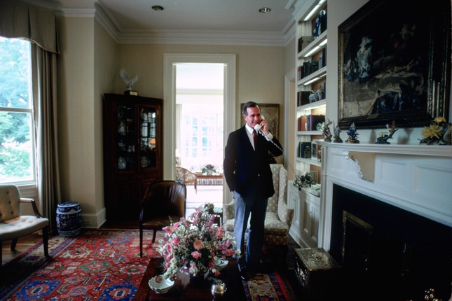'Choáng ngợp' kiến trúc dinh thự dành riêng cho Phó Tổng thống Mỹ ảnh 8