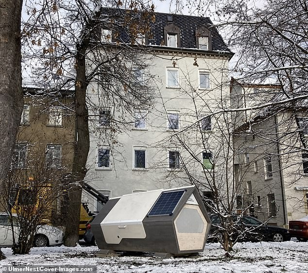 Bất ngờ với thiết kế tiện lợi của 'buồng ngủ di động' dành cho người vô gia cư ảnh 1