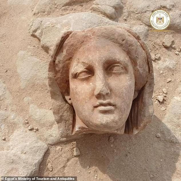 Xác ướp Ai Cập 2.000 năm tuổi có chiếc lưỡi bằng vàng ảnh 4