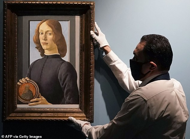 Bức tranh từng bị thanh lý bèo bọt được bán với giá 92 triệu USD ảnh 3