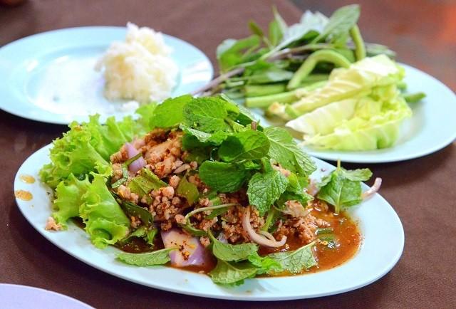 """Theo ngôn ngữ Lào, món """"lạp"""" dùng trong ngày Tết có nghĩa là gì?"""