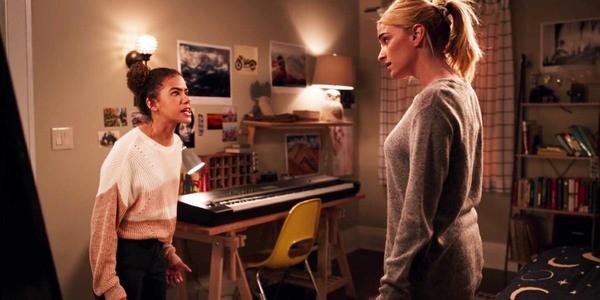 Cà khịa Taylor Swift trong phim mới, Netflix bị 'dằn mặt' ảnh 1
