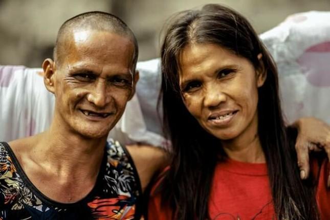 Bộ ảnh cưới của cặp đôi vô gia cư sống chung 24 năm chưa từng vào lễ đường ảnh 10