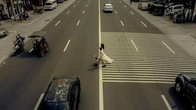 Bộ ảnh cưới của cặp đôi vô gia cư sống chung 24 năm chưa từng vào lễ đường ảnh 15