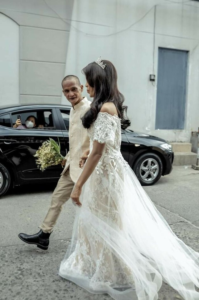 Bộ ảnh cưới của cặp đôi vô gia cư sống chung 24 năm chưa từng vào lễ đường ảnh 19