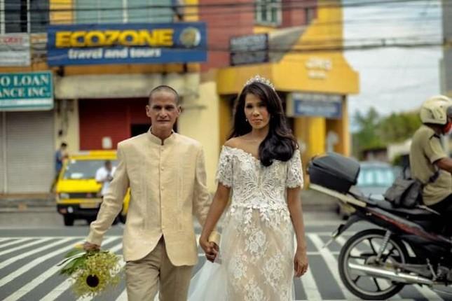 Bộ ảnh cưới của cặp đôi vô gia cư sống chung 24 năm chưa từng vào lễ đường ảnh 20