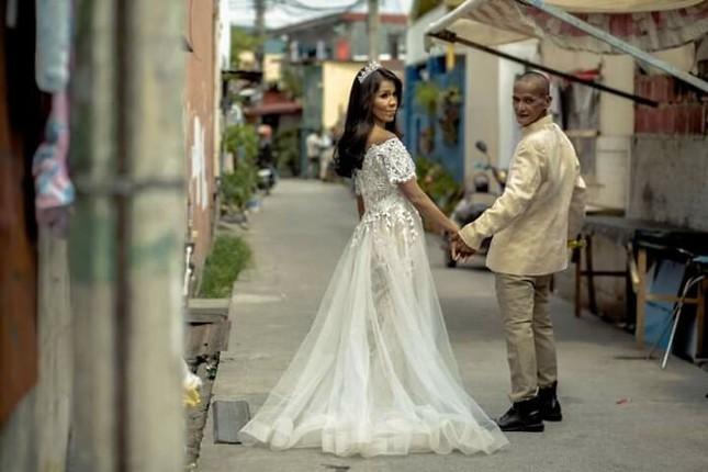 Bộ ảnh cưới của cặp đôi vô gia cư sống chung 24 năm chưa từng vào lễ đường ảnh 23