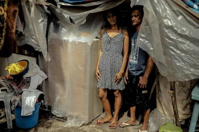Bộ ảnh cưới của cặp đôi vô gia cư sống chung 24 năm chưa từng vào lễ đường ảnh 2
