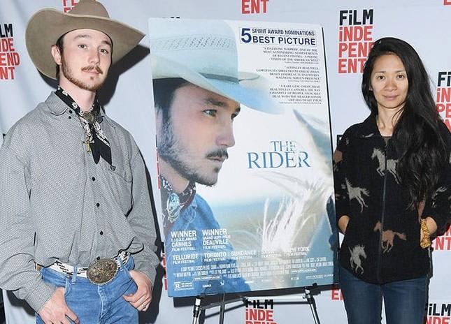 Chloé Zhao – người phụ nữ châu Á nhỏ bé làm nên kỳ tích tại Hollywood ảnh 2