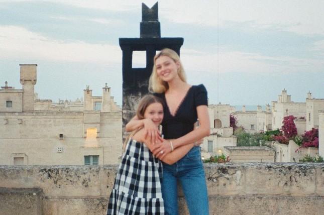 Con gái Beckham chúc mừng ngày phụ nữ, mới 10 tuổi đã phổng phao thấy rõ ảnh 6