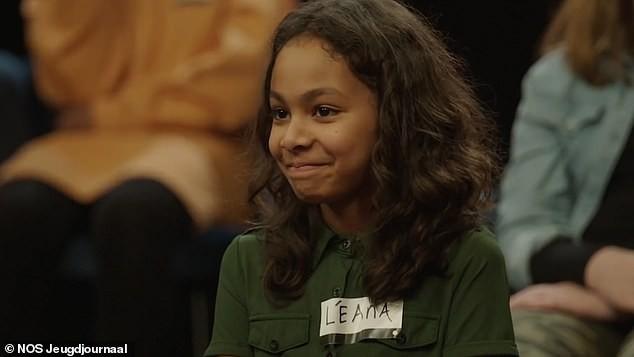 Người lớn khỏa thân trong chương trình TV dành cho trẻ em gây phẫn nộ ảnh 3