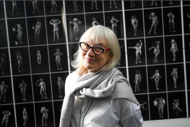 Triển lãm ảnh khỏa thân về hàng trăm phụ nữ trên 50 tuổi ảnh 4