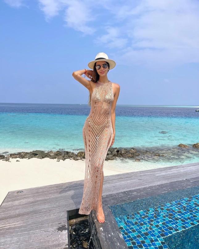 Vợ cũ hoa hậu của cựu vương Malaysia khoe hình thể nóng bỏng với bikini ảnh 1