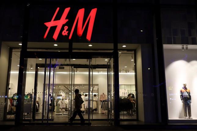 Vì sao Trung Quốc tẩy chay toàn diện H&M? ảnh 2