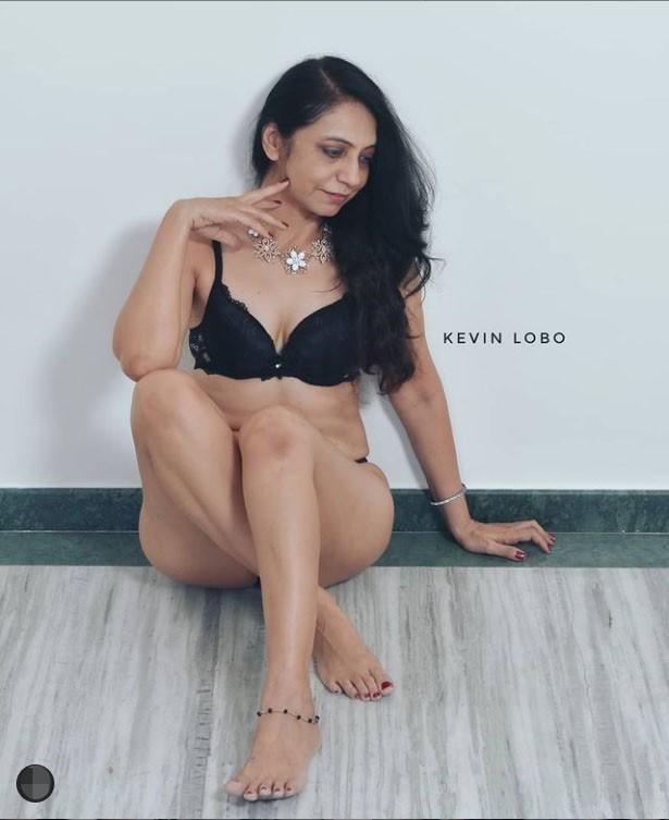 Cựu giáo viên Ấn Độ bắt đầu sự nghiệp người mẫu nội y ở tuổi 50 ảnh 5