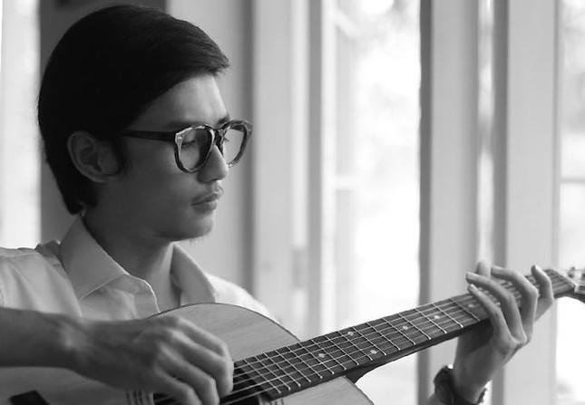 """Tên nam diễn viên đóng vai Trịnh Công Sơn thời trẻ trong dự án phim """"Em và Trịnh""""?"""