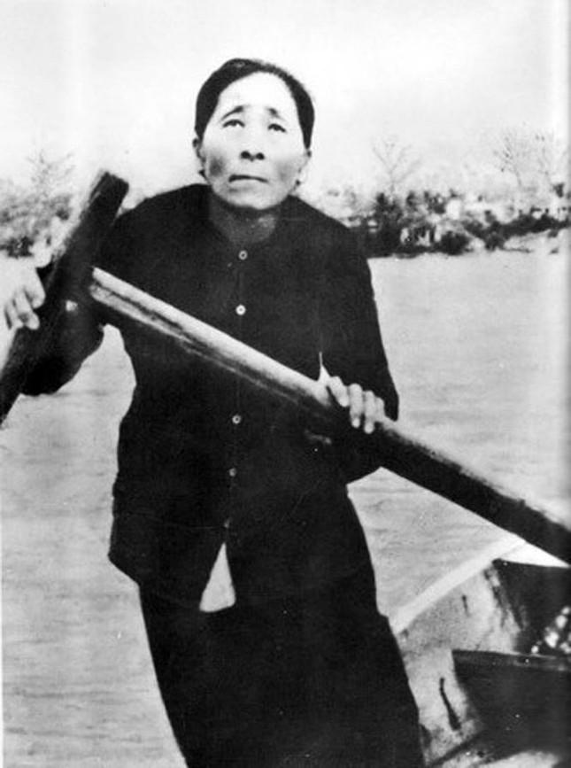 """Ca khúc """"Huyền thoại mẹ"""" được Trịnh Công Sơn lấy cảm hứng từ nhân vật nào?"""