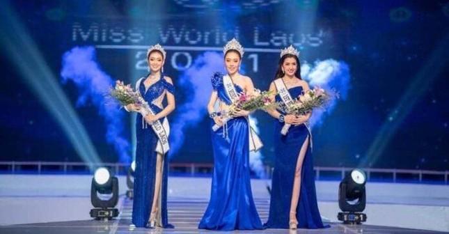 Hoa hậu Thế giới Lào 2021 bị tố khai man tuổi, ban tổ chức lên tiếng ảnh 1
