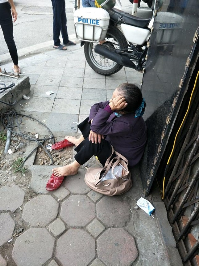 Bốn người thiệt mạng trong vụ cháy cửa hàng đồ dùng mẹ và bé ở Hà Nội ảnh 1