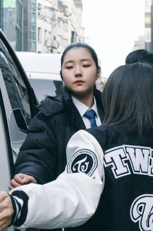 Dàn vệ sĩ của sao K-pop gây 'bão' mạng vì sở hữu ngoại hình xuất sắc ảnh 1