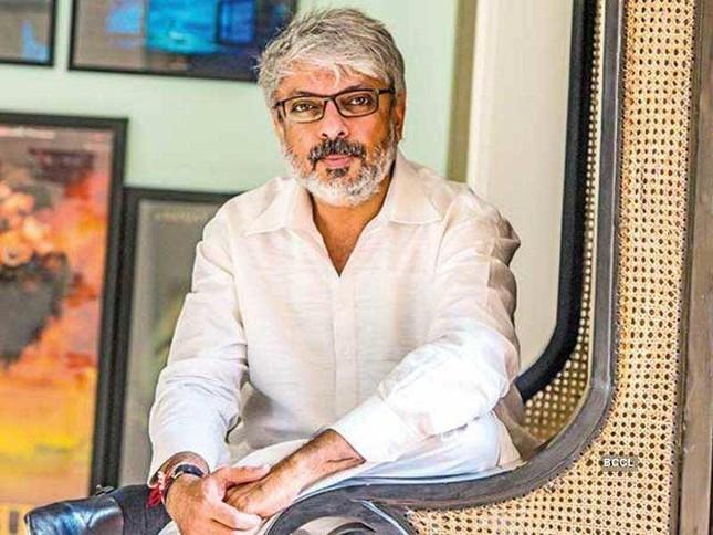 Loạt nghệ sĩ Ấn Độ xác nhận mắc COVID-19 ảnh 13