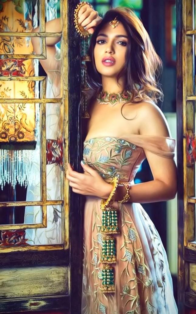 Loạt nghệ sĩ Ấn Độ xác nhận mắc COVID-19 ảnh 15