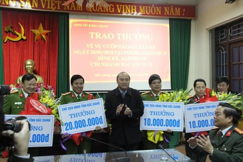 20 giờ tóm gọn tên cướp ngân hàng táo tợn ở Bắc Giang ảnh 1