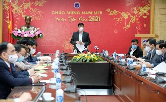 Bộ trưởng Bộ Y tế nói về vắc-xin COVID-19 cho cộng đồng ảnh 1
