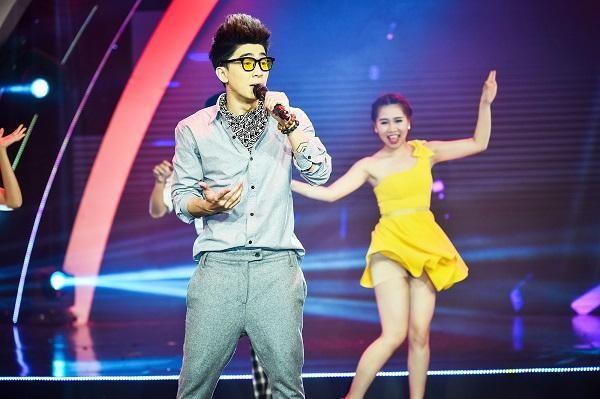 Hoàng tử nhạc pop Chi Dân gây ấn tượng trong đêm nhạc Trần Thiện Thanh ảnh 1