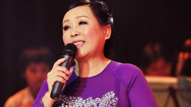 """Sao Việt sung sướng khi được hát cùng thầy cô trên sân khấu """"Ngày thầy trò"""" ảnh 1"""