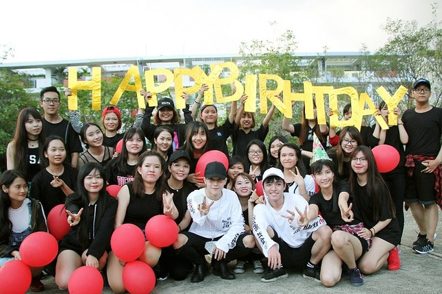 Toki (Uni5) được fan tổ chức sinh nhật bất ngờ ảnh 4