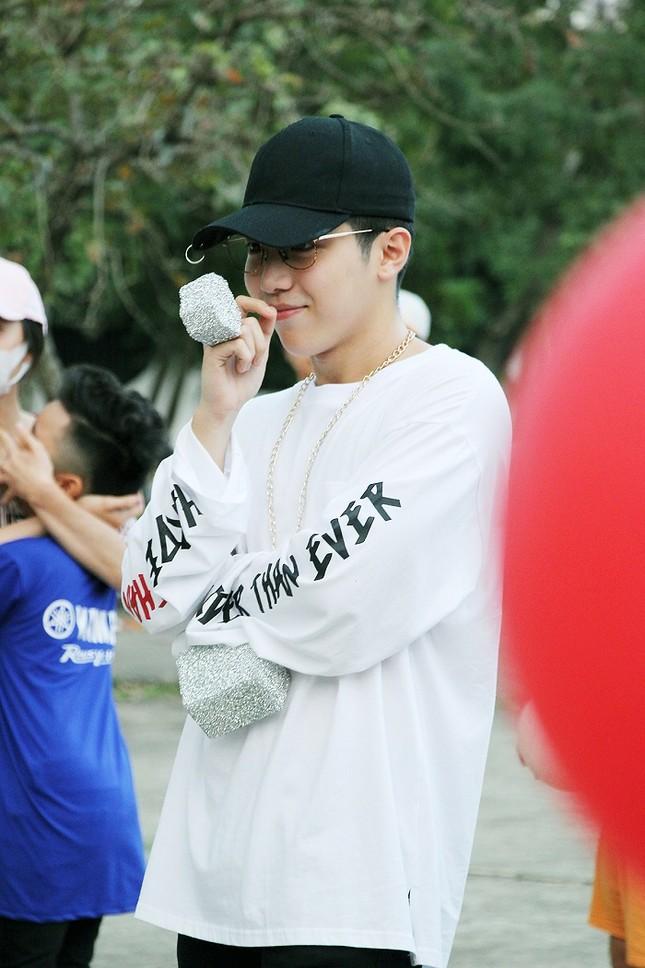 Toki (Uni5) được fan tổ chức sinh nhật bất ngờ ảnh 2