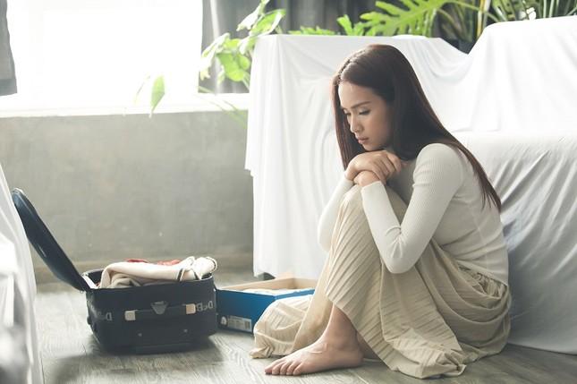Ái Phương khóc cạn nước mắt sau khi trả nhẫn cho Hồ Vĩnh Khoa ảnh 3