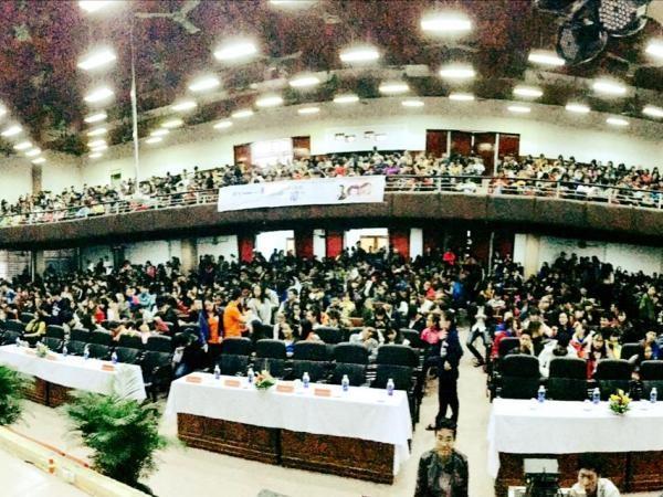 Gần 3.000 sinh viên đã tham dự chương trình.