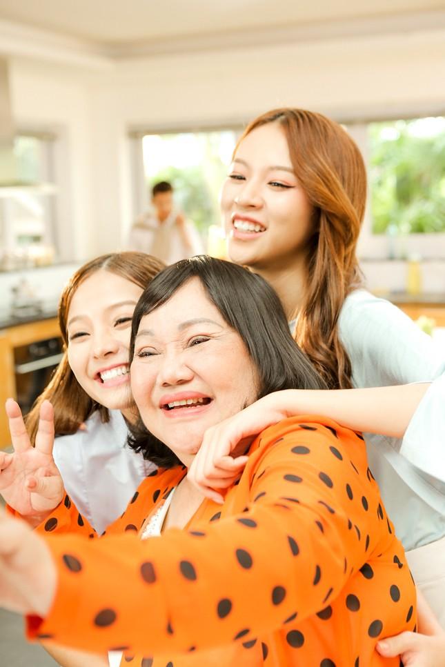 """""""Xì tin"""" thế này, ít ai biết Khánh Hiền đã 25 tuổi và sắp có con ảnh 1"""