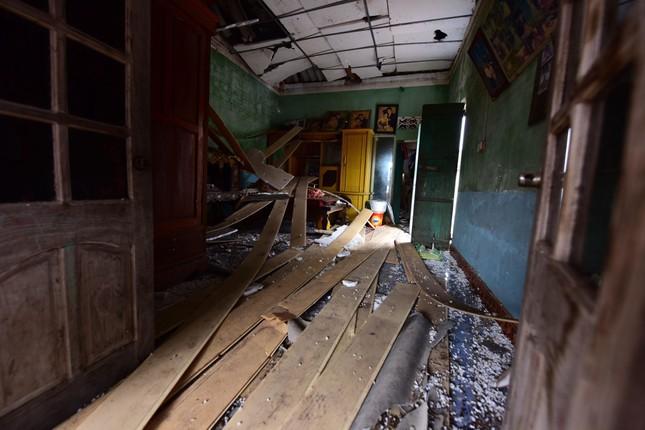 Bắc Ninh: Nổ kho phế liệu, hai em nhỏ tử vong, nhiều nhà nát vụn, vỏ đạn bay khắp làng ảnh 2