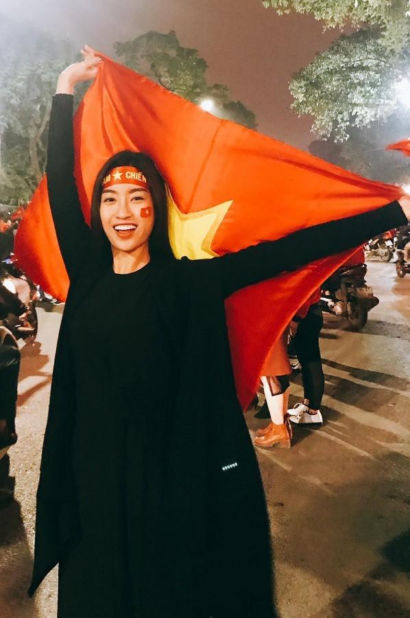 Rất nhiều ngôi sao V-Biz đồng loạt trở thành fanboy, fangirl của U-23 Việt Nam ảnh 4