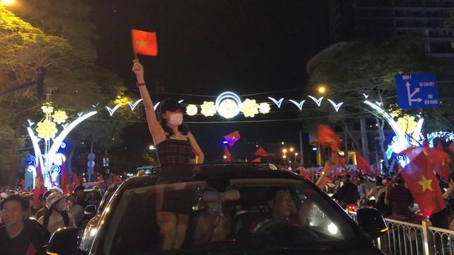 Rất nhiều ngôi sao V-Biz đồng loạt trở thành fanboy, fangirl của U-23 Việt Nam ảnh 2